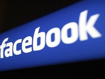 Analis Klaim Separuh Pengguna Facebook Palsu