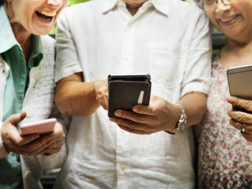 Masalah Orangtua: Gemar Membagi Hoaksdi Medsos dan WhatsApp