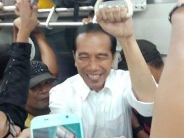 Jam Sibuk Jokowi Naik Commuter Line, Budiman Sudjatmiko: Pemimpin Percaya Diri Rakyat Pelindungnya