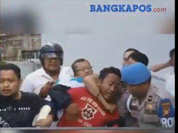VIRAL di WhatsApp (WA) & IG, Video Detik-detik Perampok Bank BNI Lawan Puluhan Polisi Bersenpi