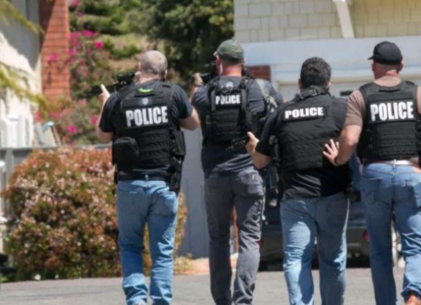 Penyerang Sinagoga California Mencoba Siarkan Penembakannya di Facebook