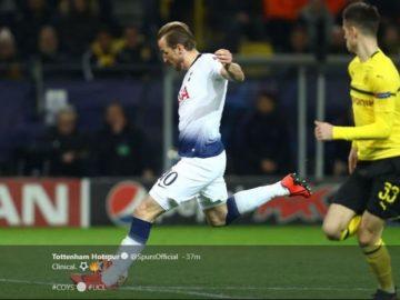Pemain Tottenham Hotspur, Harry Kane Melepaskan Tembakan