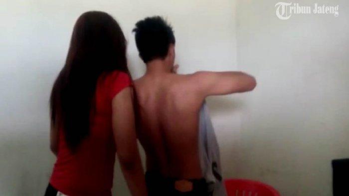 Adegan Mesum dengan Pacarnya Live Facebook, Pria Ini Mengaku Jadi Senjata jika Putus