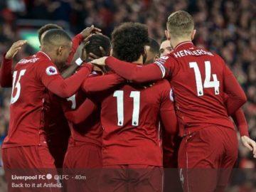 Para pemain Liverpool merayakan gol yang dicetak ke gawang Huddersfield Town dalam laga Liga Inggris di Stadion Anfield, Jumat (26/4/2019).