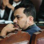 Penyanyi yang juga dokter bedah estetika Teuku Adifitrian atau Tompi memberikan kesaksian dalam sidang kasus dugaan penyebaran berita bohong atau hoaks dengan terdakwa Ratna Sarumpaet di PN Jakarta Selatan, Jakarta, Selasa, 23 April 2019.