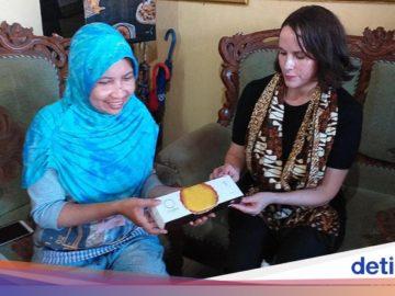 Tingkatkan Kemampuan UKM, Facebook Blusukan ke Surabaya