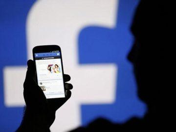 Anggota Dewan Ini Dihujat Netizen setelah Unggah Foto Remaja Ciuman di Facebook