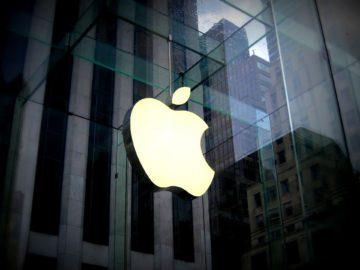 Apple Pasang Billboard ini untuk Ledek Google?