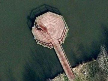 Viral gambar Google Street View diduga pembunuhan. Kredit: Google Maps