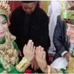 Viral Pernikahan Cewek Mamuju Menikahi Bule Ganteng Asal Turki, Berbekal Google Translate