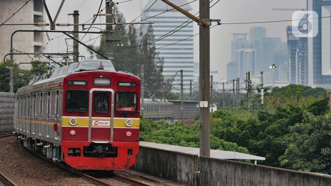 Petugas PT KCI Temukan Uang Rp 12 Juta dalam Commuter Line