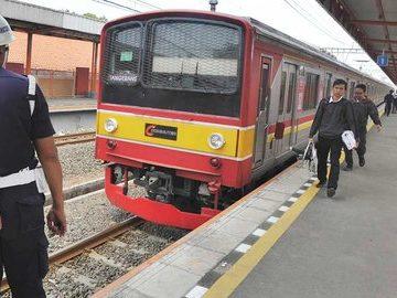Khusus Malam Tahun Baru, KRL Commuter Line Layani Penumpang Hingga Pukul 3 Pagi
